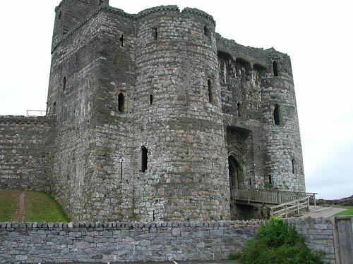 castillo-de-kidwelly