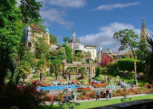 Portmeirion, pintoresca aldea-hotel en Gwynned